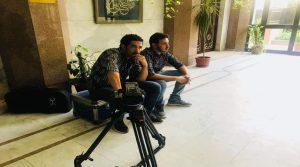 هالة اليافعي تصفع دبلوماسي مقرب من هادي بصحن التورتة على وجهه داخل السفارة اليمنية بالقاهرة